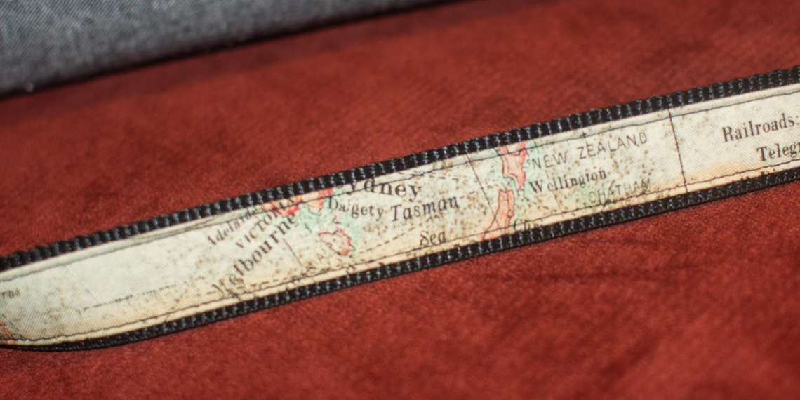 Swoon Blanch map strap